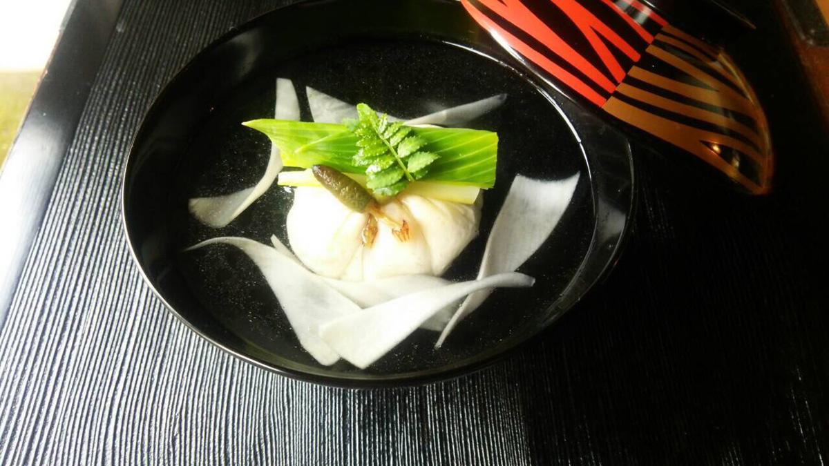白いきくらげ「白美茸」料理(真丈)